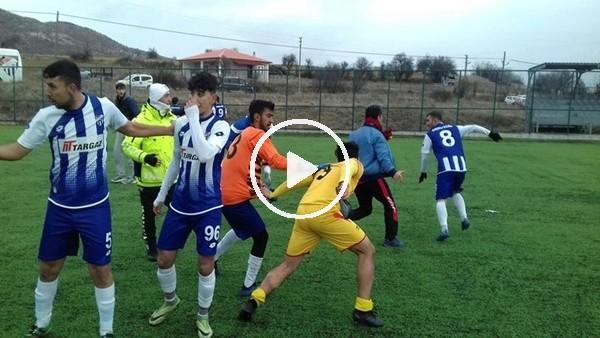 Futbolcuların kavgasını polis havaya ateş açarak sonlandırdı