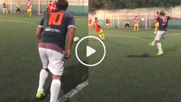 Totti'den halı sahada muhteşem frikik golü