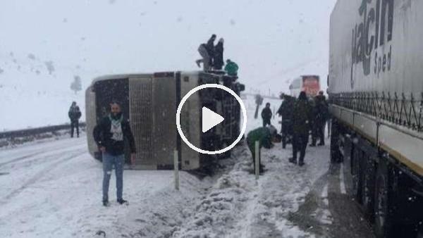 'Bursaspor taraftarını taşıyan otobüs devrildi