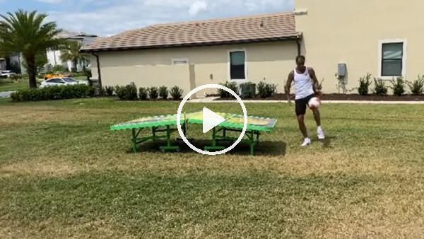 Rivaldo, kendisiyle ayak tenisi oynadı