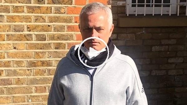 Jose Mourinho evden çıkamayan yaşlıların yardımına koştu