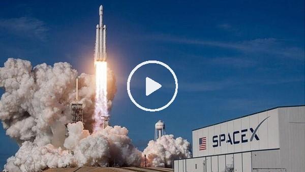 'SpaceX, ilk insanlı uçuşunu gerçekleştirdi