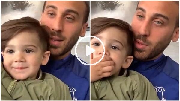 'Cenk Tosun'un minik oğlu Arden babasının röportajında poz verdi