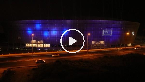 'Yeni Adana Stadyumu 'mavi-lacivert' ışıklarla aydınlatıldı