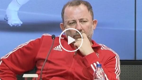 """'Sergen Yalçın: """"Genç futbolcu diye kimseyi alıp oynatamayız, bu seviyeye uygun olmalı"""""""