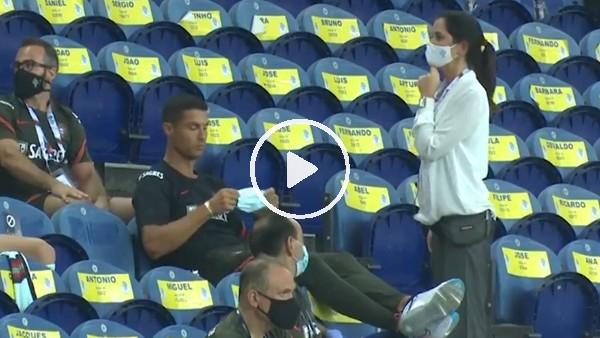 Cristiano Ronaldo'ya maske uyarısı