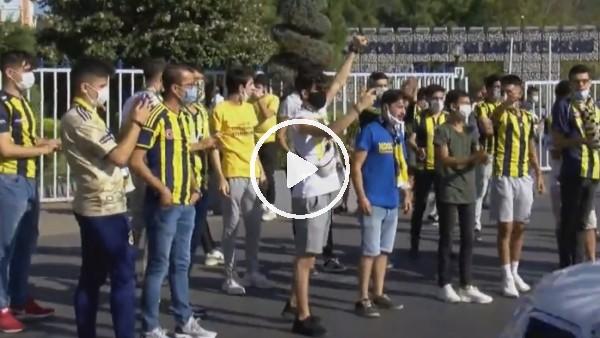 Fenerbahçe taraftarı Samandıra'da derbiyi bekliyor