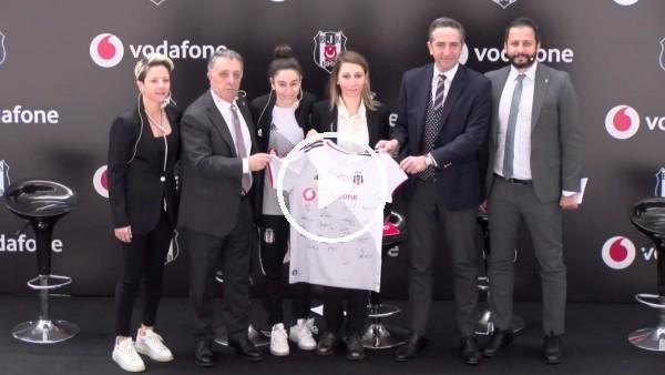 'Beşiktaş'tan Yeni Sponsorluk Anlaşması Ve Dünya Kadınlar Günü Projesi
